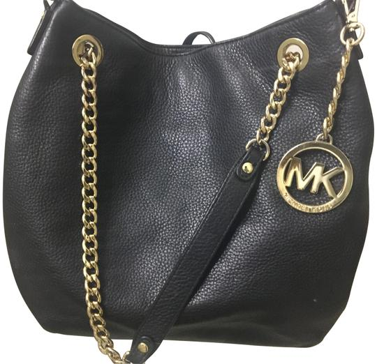 Preload https://item4.tradesy.com/images/michael-michael-kors-black-leather-shoulder-bag-23333698-0-1.jpg?width=440&height=440