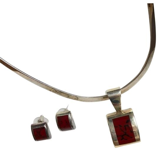 Preload https://img-static.tradesy.com/item/23333892/silpada-silver-cuff-necklace-and-earring-set-0-2-540-540.jpg