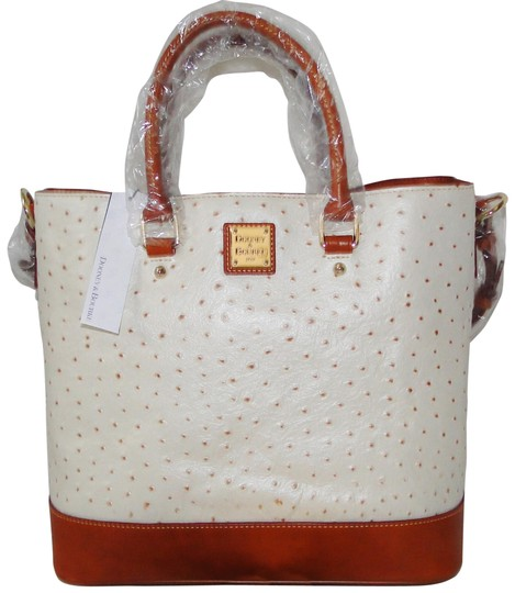 Preload https://item1.tradesy.com/images/dooney-and-bourke-ostrich-chelsea-shopper-pearl-leather-shoulder-bag-23333915-0-2.jpg?width=440&height=440