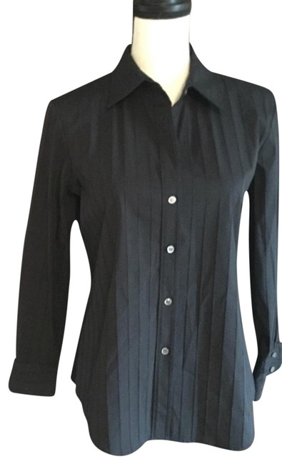 Preload https://item2.tradesy.com/images/theory-black-button-down-top-size-12-l-23333941-0-1.jpg?width=400&height=650
