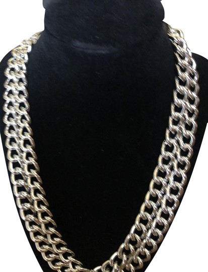 Preload https://img-static.tradesy.com/item/23333978/bebe-nwt-silver-double-layered-chain-necklace-0-8-540-540.jpg
