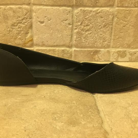 Nine West Black/snake pattern Flats