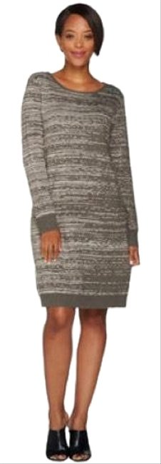 Preload https://item2.tradesy.com/images/h-by-hudson-sweater-short-casual-dress-size-16-xl-plus-0x-23334111-0-1.jpg?width=400&height=650