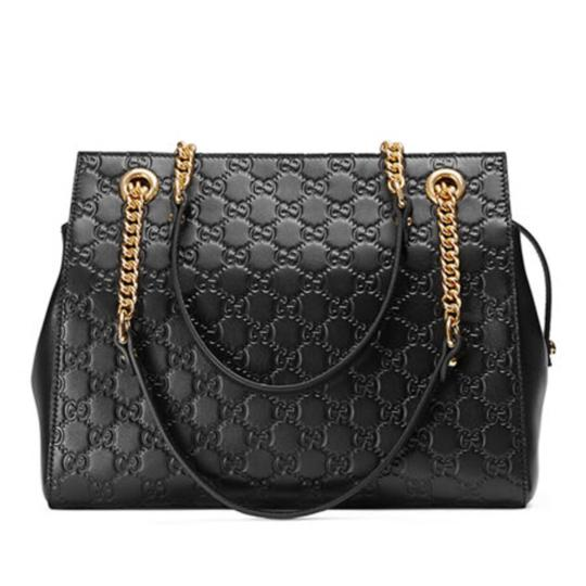 Preload https://item4.tradesy.com/images/gucci-signature-chain-handle-black-leather-tote-23334203-0-0.jpg?width=440&height=440