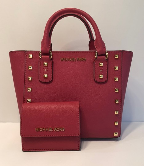 MICHAEL Michael Kors Handbag And Wallet Set Of Two Sandrine Stud Sm Crossbody Jet Set Travel Satchel in Lipstick Pink