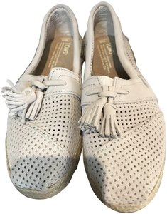 TOMS (New in box) Never Worn Box Beige Flats