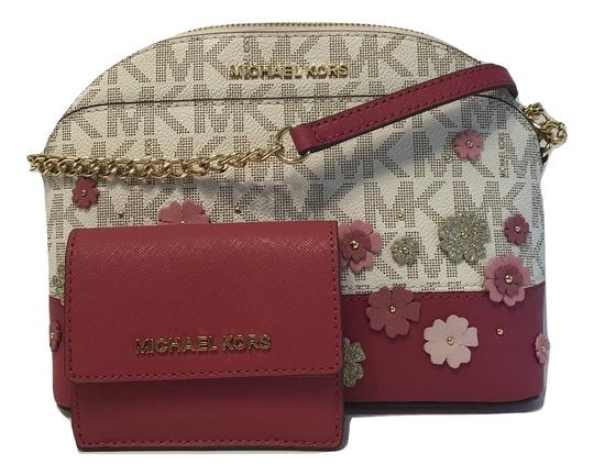 Preload https://img-static.tradesy.com/item/23334266/michael-kors-emmy-md-and-travel-card-case-id-wallet-lipstick-floral-leather-cross-body-bag-0-0-540-540.jpg