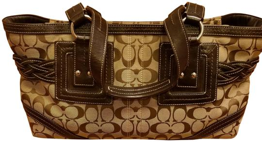 Preload https://item5.tradesy.com/images/coach-soho-signature-belted-brown-khaki-jacquard-satchel-23334284-0-1.jpg?width=440&height=440