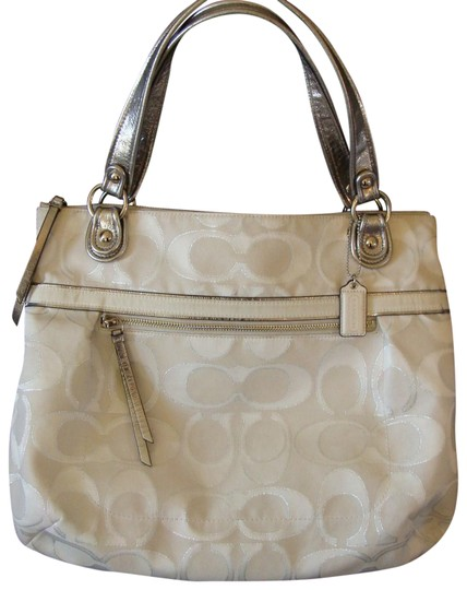 Preload https://item1.tradesy.com/images/coach-poppy-metallic-signature-sateen-glam-silver-white-jacquard-tote-23334320-0-1.jpg?width=440&height=440