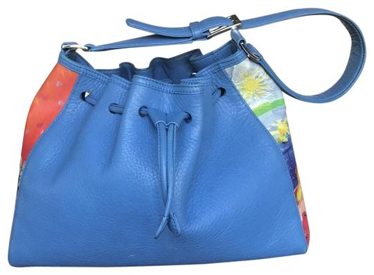 Preload https://item4.tradesy.com/images/icon-drawstring-purse-blue-leather-shoulder-bag-23334368-0-4.jpg?width=440&height=440