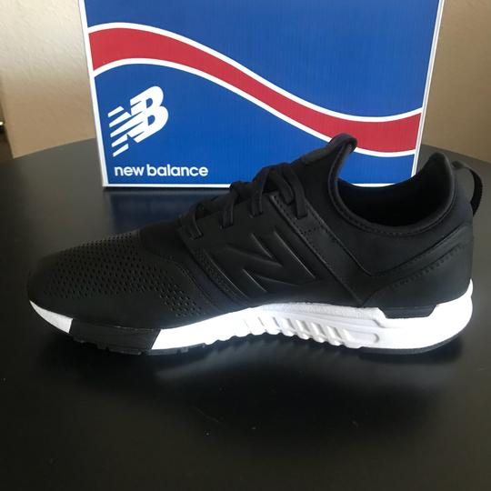 New Balance Black/White Athletic