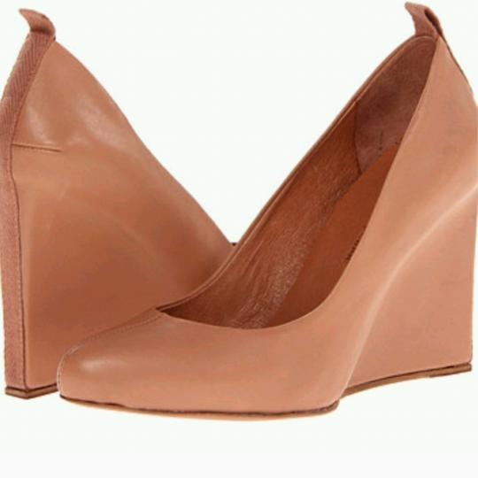 Preload https://item1.tradesy.com/images/see-by-chloe-nude-blush-leather-pump-wedges-size-us-6-regular-m-b-23334965-0-2.jpg?width=440&height=440