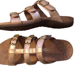 Vionic tan and rose gold Sandals