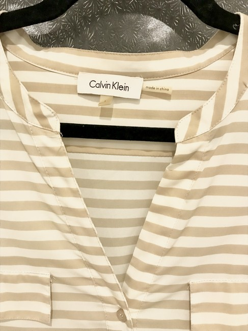Calvin Klein Top Sand and ivory