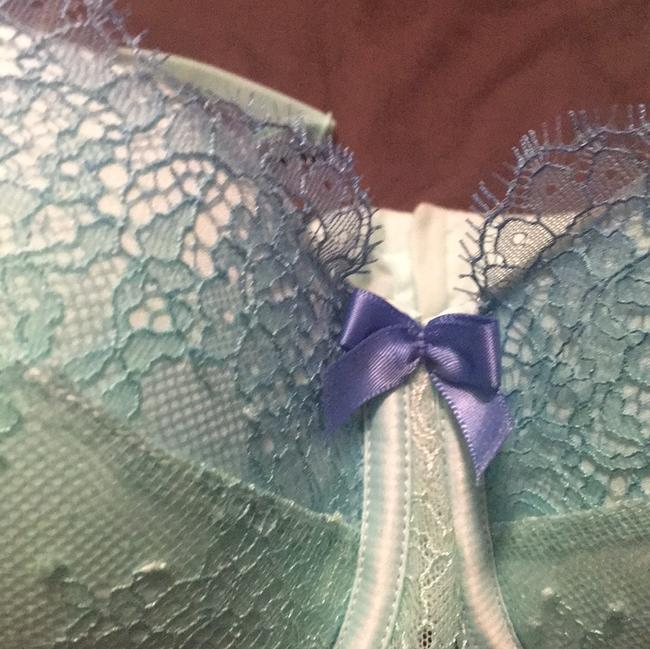 Victoria's Secret Top mint and blue