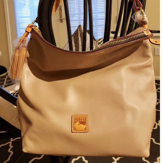 Preload https://item2.tradesy.com/images/dooney-and-bourke-dooney-and-bourke-mckenzie-taupe-smooth-leather-hobo-bag-23335121-0-2.jpg?width=440&height=440