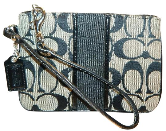 Coach New Signature Leather Jacquard Wristlet in Black/White/SV
