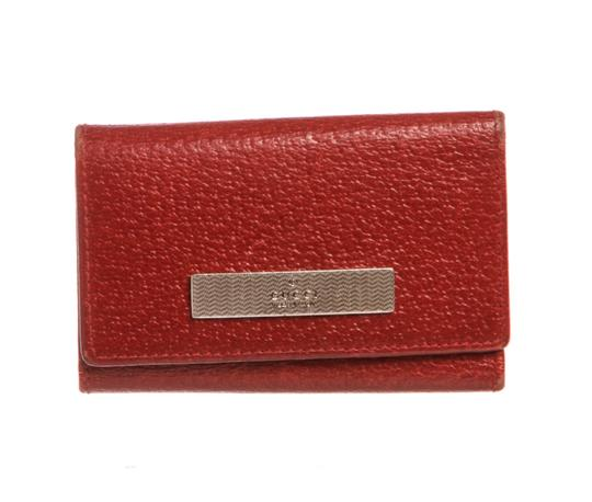 Preload https://img-static.tradesy.com/item/23335636/gucci-red-leather-6-key-holder-tech-accessory-0-0-540-540.jpg