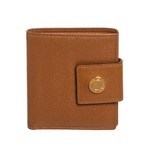 Preload https://img-static.tradesy.com/item/23335643/bvlgari-brown-leather-compact-bifold-wallet-tech-accessory-0-0-540-540.jpg