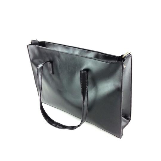 Preload https://img-static.tradesy.com/item/23335678/simple-big-pockets-handbag-black-faux-leather-shoulder-bag-0-0-540-540.jpg