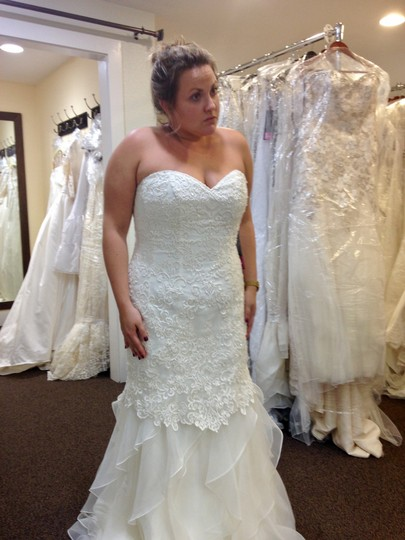 Preload https://img-static.tradesy.com/item/23335693/christina-wu-color-ivory-fabric-lace-organza-and-tulle-style-29268-feminine-wedding-dress-size-12-l-0-1-540-540.jpg
