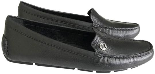 Preload https://item5.tradesy.com/images/gucci-black-silver-women-s-loafer-driving-moccasin-leather-flats-size-eu-40-approx-us-10-regular-m-b-23336074-0-1.jpg?width=440&height=440