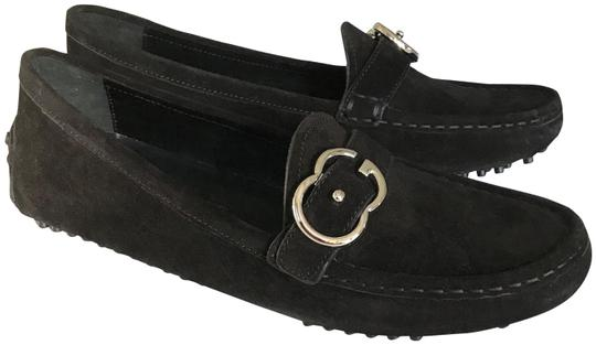 Preload https://img-static.tradesy.com/item/23336116/gucci-black-silver-buckle-women-s-loafer-moccasin-with-suede-flats-size-eu-385-approx-us-85-regular-0-2-540-540.jpg