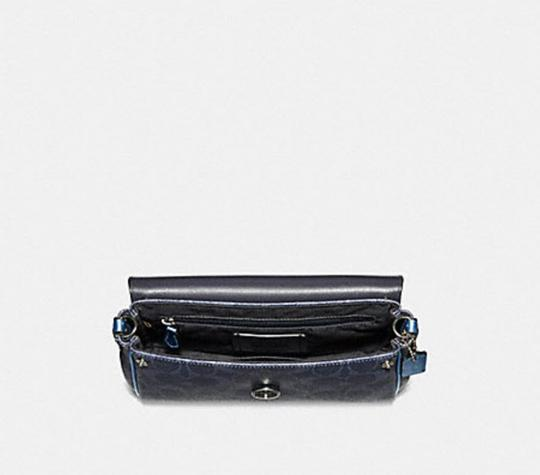 Coach F35909 Cross Body Bag
