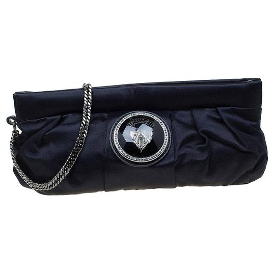 Preload https://img-static.tradesy.com/item/23336262/gucci-pop-night-wristlet-black-satin-clutch-0-0-540-540.jpg