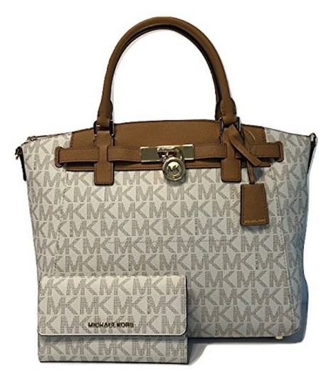 Preload https://item4.tradesy.com/images/michael-kors-hamilton-traveler-lg-and-matching-wallet-set-signature-mk-vanillaacorn-leather-satchel-23336373-0-1.jpg?width=440&height=440