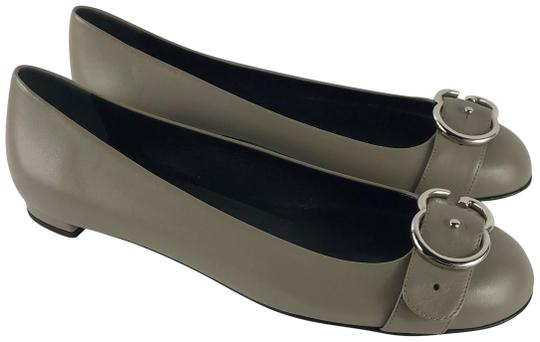 Preload https://item2.tradesy.com/images/gucci-gray-in-box-buckle-ballet-leather-flats-size-eu-40-approx-us-10-regular-m-b-23336571-0-1.jpg?width=440&height=440