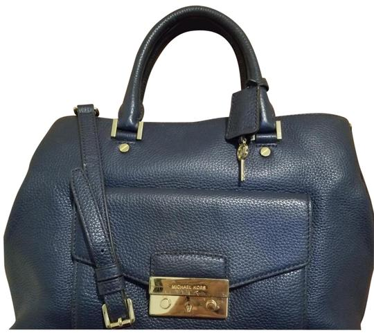 Preload https://img-static.tradesy.com/item/23336633/michael-kors-large-navy-leather-satchel-0-2-540-540.jpg