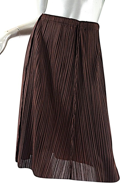 Preload https://item5.tradesy.com/images/issey-miyake-burgundy-pleats-please-by-polyester-pleated-po-knee-length-skirt-size-10-m-31-23336719-0-1.jpg?width=400&height=650