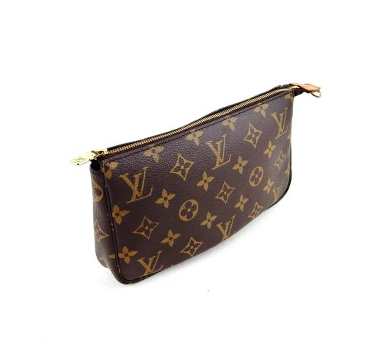 Preload https://item4.tradesy.com/images/louis-vuitton-pochette-accessory-pouch-missing-strap-brown-monogram-canvas-leather-clutch-23336833-0-0.jpg?width=440&height=440