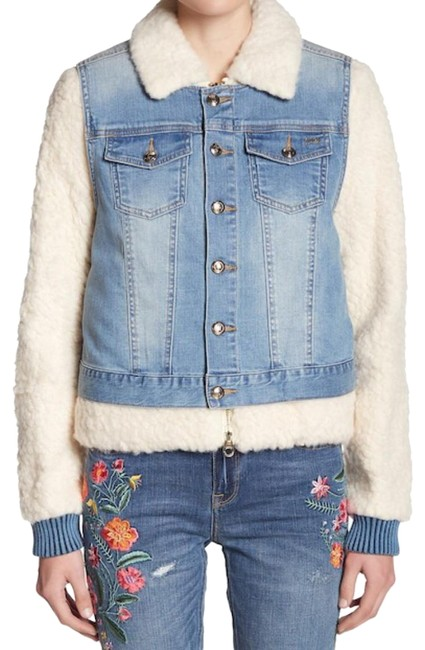 Preload https://item4.tradesy.com/images/juicy-couture-blue-white-faux-shearling-spring-jacket-size-2-xs-23336988-0-4.jpg?width=400&height=650