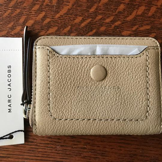 Preload https://item2.tradesy.com/images/marc-jacobs-sandstone-m0013054-empire-city-card-case-wallet-23337006-0-0.jpg?width=440&height=440