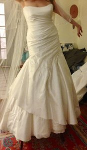 Jim Hjelm Ivory Silk Jh8103 Feminine Wedding Dress Size 8 (M)
