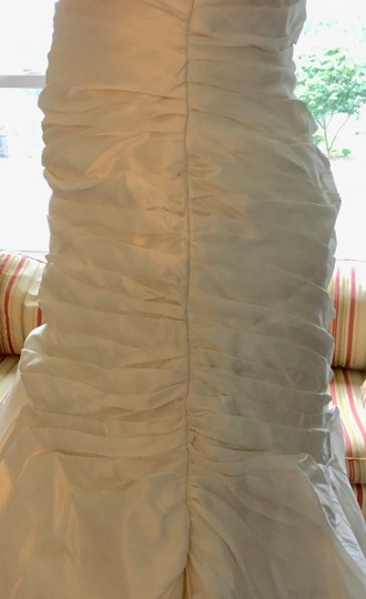 Jim Hjelm Ivory Silk Jh8103 Feminine Wedding Dress Size 8 (M) Image 4