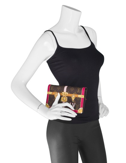 Louis Vuitton Limited Edition Sold Out Pochette Wallet Cross Body Bag