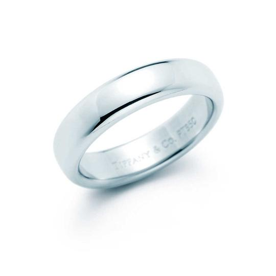Tiffany & Co. Silver Color Band Set Women/5.5 Men/7 You Can Request For Any One If It. Material: White Platinum. Ring