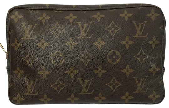 Preload https://item4.tradesy.com/images/louis-vuitton-pochette-trousse-pouch-toilette-23-brown-leather-clutch-23337243-0-4.jpg?width=440&height=440