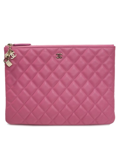 Preload https://item3.tradesy.com/images/chanel-clutch-medium-casino-charms-o-case-pink-lambskin-leather-clutch-23337297-0-0.jpg?width=440&height=440