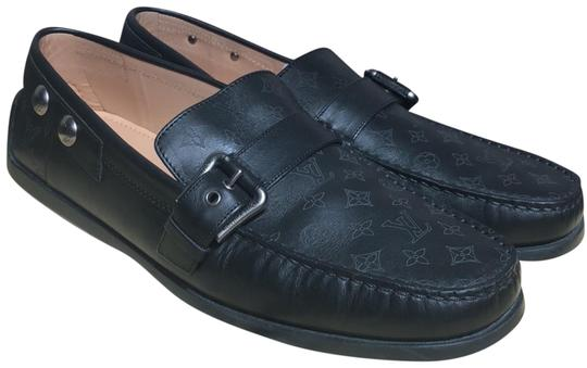 Preload https://img-static.tradesy.com/item/23337553/louis-vuitton-men-s-loafers-flats-size-us-9-regular-m-b-0-2-540-540.jpg