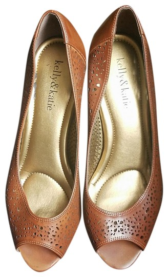 Preload https://item2.tradesy.com/images/kelly-and-katie-brown-open-toe-pumps-size-us-8-regular-m-b-23337596-0-1.jpg?width=440&height=440