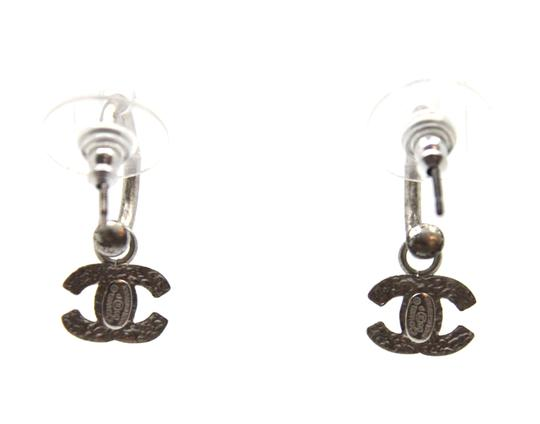 Preload https://img-static.tradesy.com/item/23337653/chanel-silver-cc-drop-earrings-0-2-540-540.jpg