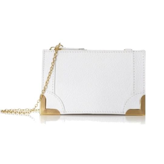 Preload https://img-static.tradesy.com/item/23337670/foley-corinna-gold-frame-white-leather-clutch-0-0-540-540.jpg