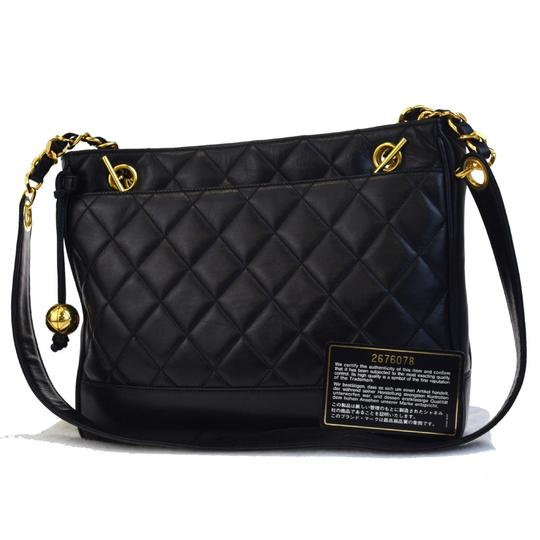 Preload https://item3.tradesy.com/images/chanel-cc-charm-quilted-chain-shoulder-italy-black-cross-body-bag-23337672-0-0.jpg?width=440&height=440