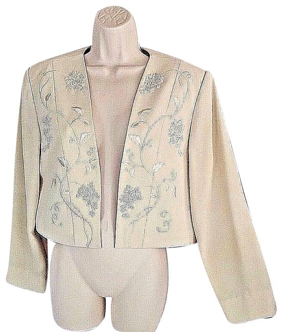 Preload https://img-static.tradesy.com/item/23337705/papell-boutique-cream-evening-beaded-sequins-lined-blazer-size-14-l-0-2-650-650.jpg