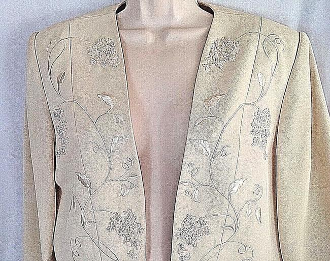 Papell Boutique Beaded Lined Sequin Cream Blazer