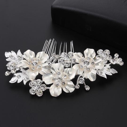 Other Gold Plated And White Enamel Tiny Flower Pattern Bridal Hair Accessories